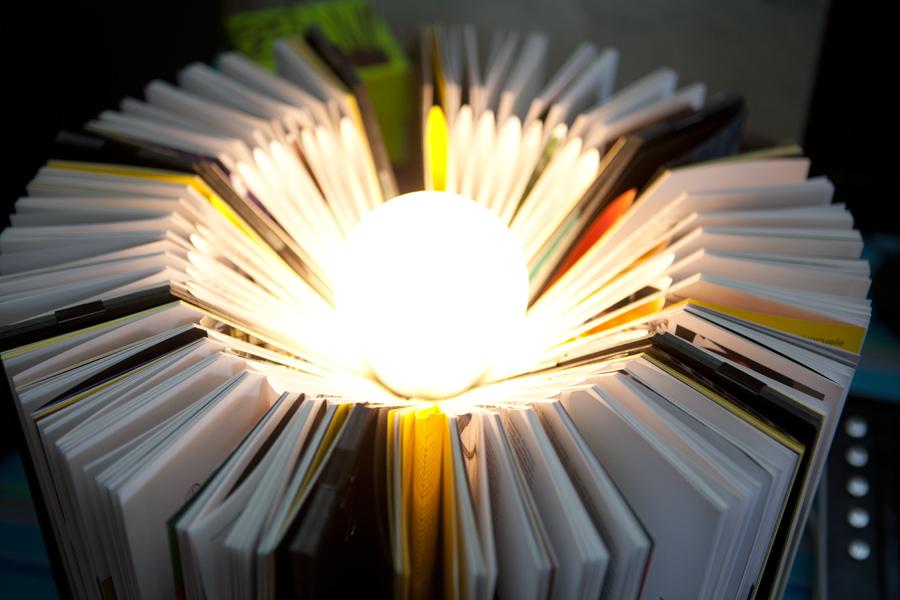 lampara-libros-detalle