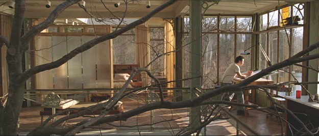 The-Lake-House-movie-inside-the-glass-house